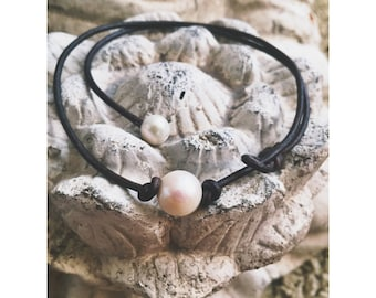 Leather Seaside Pearl Necklace
