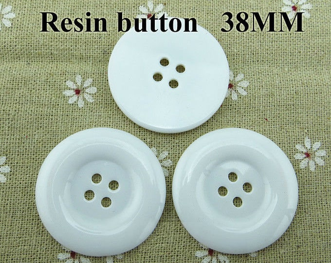 11pc Round Resin White Buttons 38mm