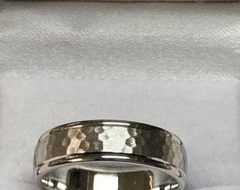 Hammered Finish Platinum Wedding Band ,Mens Platinum Wedding Ring , 950 Platinum Band, Platinum Mens Wedding Bands
