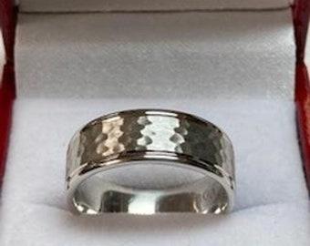 Mens Platinum Wedding Band,  Platinum Wedding Ring , Hammered Finish Mens Wedding Bands , 950 Platinum Ring