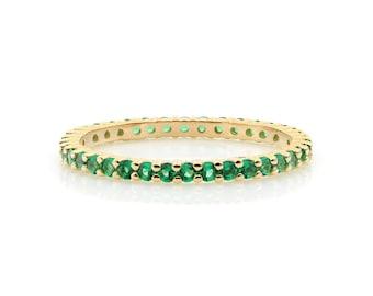 Emerald Eternity Ring, Diamond Eternity Wedding Band, 14K White Gold Stacking Emerald Ring, 1.7mm Thin Emerald Wedding Ring, Ring for Women