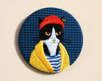 embroidered brooch the cat Harry