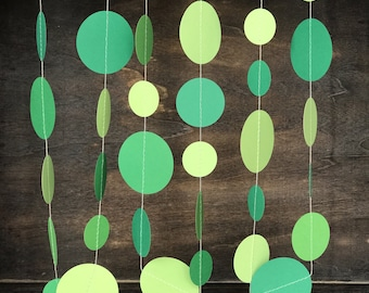 St. Patrick's Day Garland•Christmas Garland•Green Wedding Garland•Paper Garland•Spring Decoration•Irish Decoration•10ft or 30ft Set
