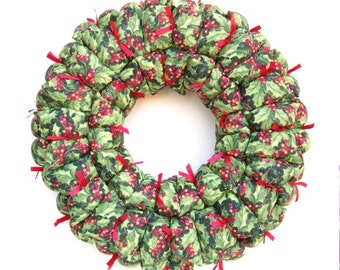 Christmas fabric wreath, holly wreath, holiday decoration, door / wall decor, door hanging