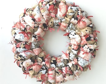 Fabric wreath, floral wreath, spring / summer decoration, wall / door hanging, cottage chic decor, pillow wreath