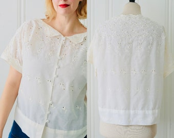 66f8afa336a74d 70s Vintage White Eyelet Lace Floral Embroidered Cut Out Boat Neck Short  Sleeve Silk Blouse Top Medium Large Size 12