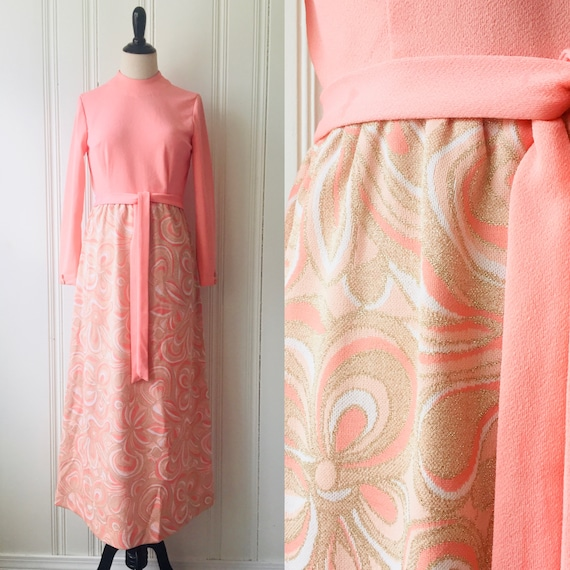 60s Vintage Peach Pink and Gold Psychedelic Print