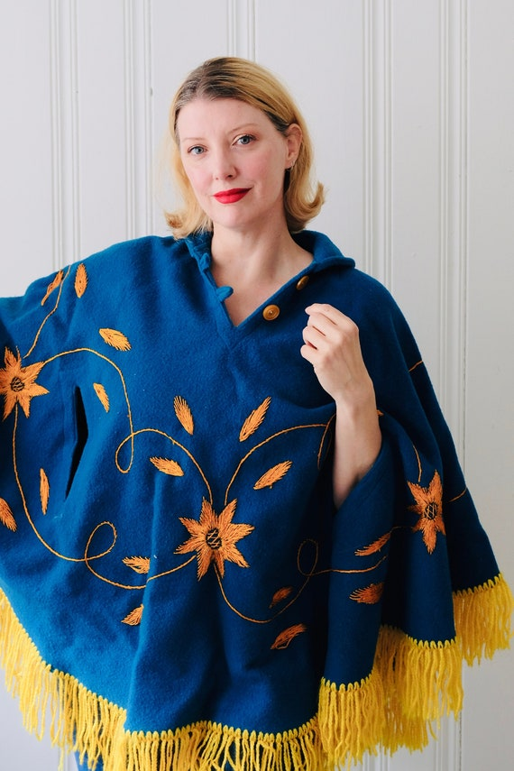 70s Vintage Bright Blue Yellow Embroidered Flower