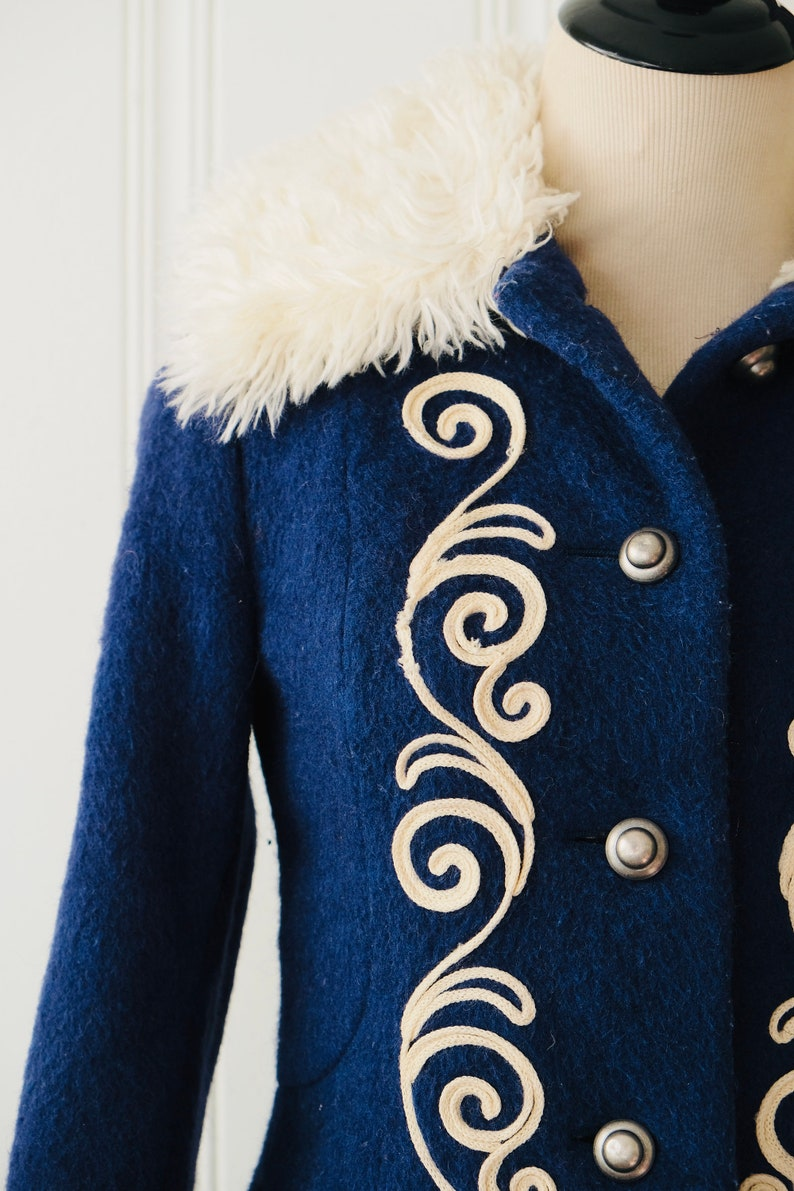 60s 70s Rare 1972 Olympic Team Navy Blue Embroidered Wool Coat w Fur Trim Paisley Print Lining Size 4-6