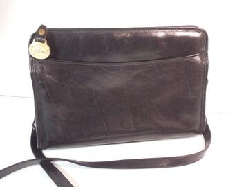 03dcb667b9 Vintage Brahmin Black Leather Purse Handbag Adjustable Length Crossbody  Shoulder Strap Brass Hardware Interior Removable Leather Key Ring