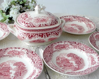 ROYAL SPHINX for 6 persons Petrus Regout red white Transferware Vintage Soup tureen & antique dinner plates Set 2.75 Liters from Holland