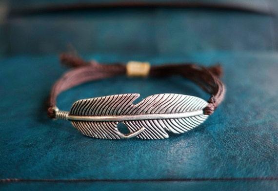 Unisex feather bracelet