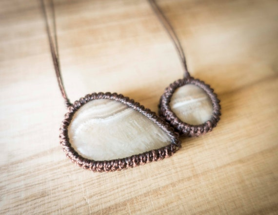 Peruanite big seed necklace