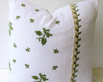 Green Throw Pillow Cover - White Throw Pillow Cover - Upcycled Vintage Embroidered Linens - Leaf Pattern - Antique Crocheted Lace