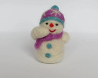 Handmade Needle Felted Snowman Made-to-Order, Valentine 's Day and Christmas Snowman, Dollhouse Snowman, Felted ornament, Snowman gift
