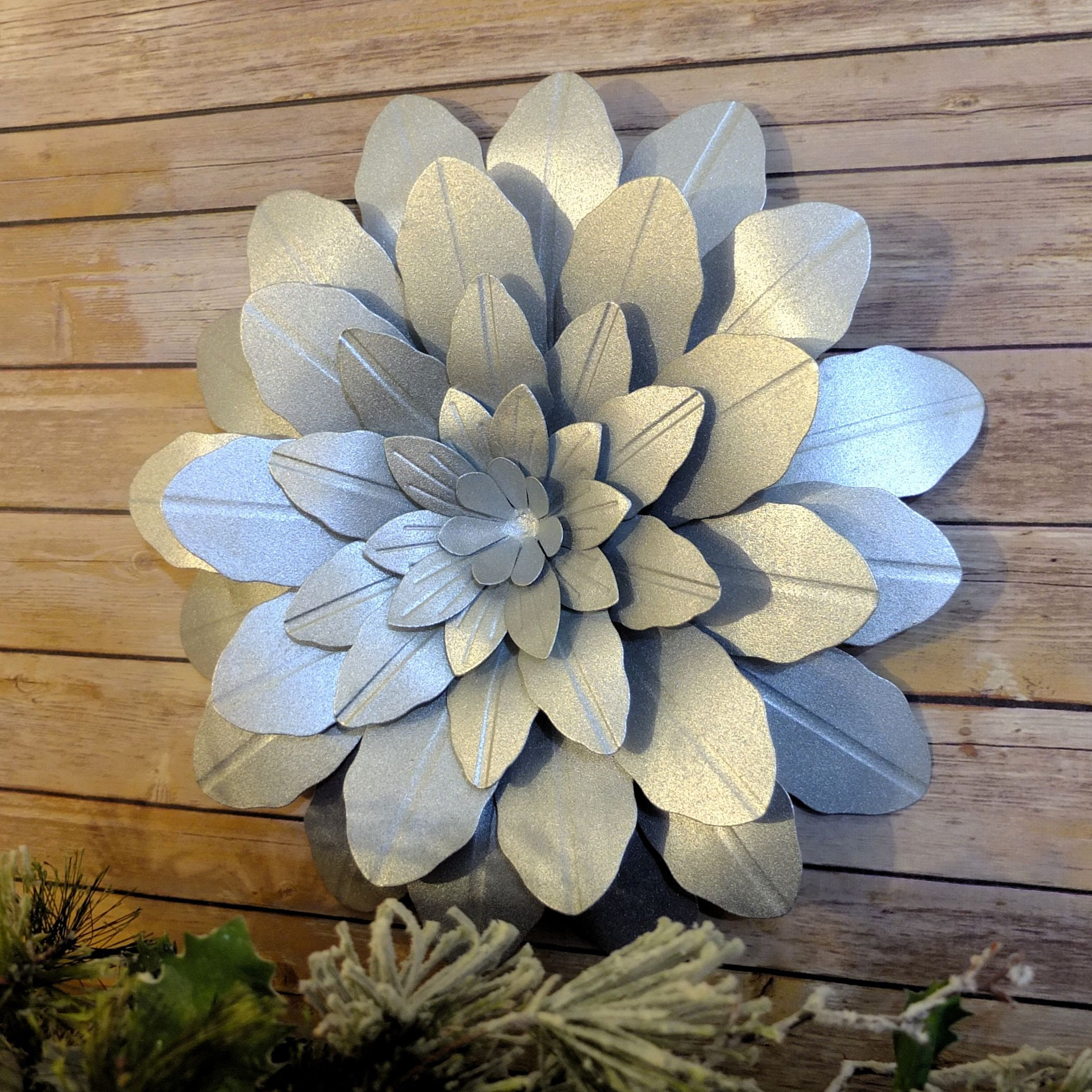 Silver Metal Christmas Wreath 17 Christmas Wall Decoration Rustic Outdoor Metal Christmas Decor For Patio Barn Or Porch