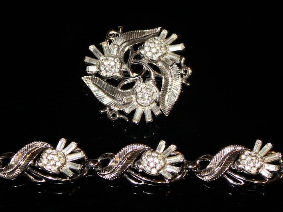 VINTAGE BRACELET and BROOCH Crown Trifari Clear Baguette Rhinestone