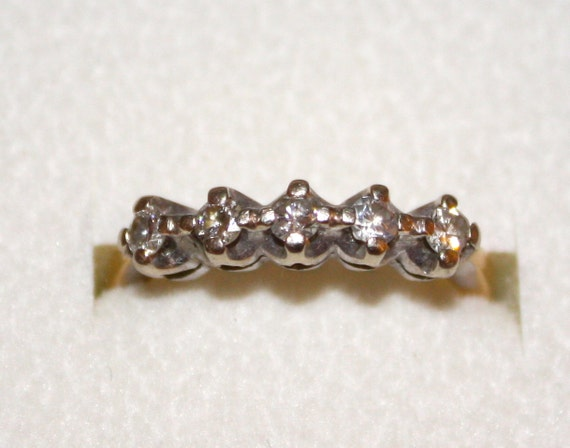 1970s Vintage DIAMOND WEDDING Band in 14K Gold  Size 5