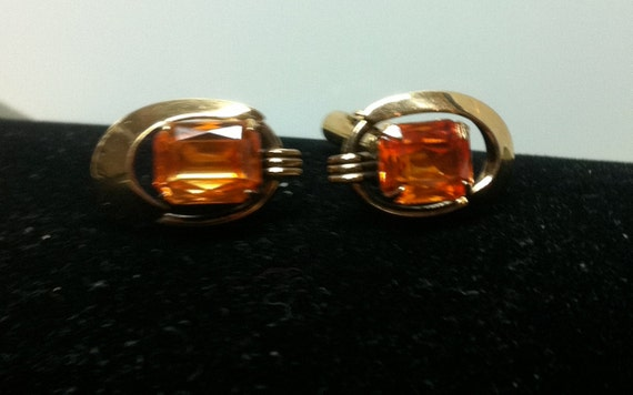 25% OFF! Memorial Day Sale     VINTAGE 14kgf Cuff Links with Orange Stones