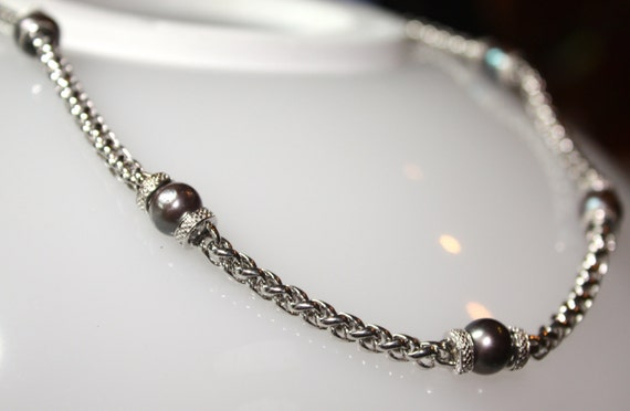 "925 Sterling Silver Chunky Chained Necklace  18"" with Five 8mm Dark Gray Pearls"
