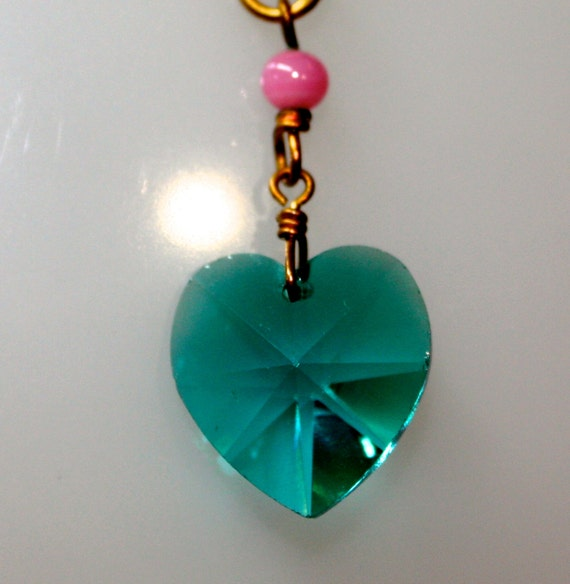 "Vintage Green Blue Faceted Glass Heart Pendant 5/8"" Long on an 18"" 18KGF over 925 SS Chain"