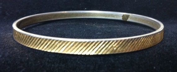 VINTAGE MONET Gold Bangle Bracelet - 8-1/2