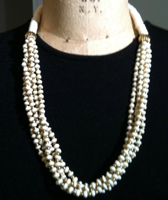 "1950s Off-White and Gold BEAD NECKLACE - 24-1/2"" Long"