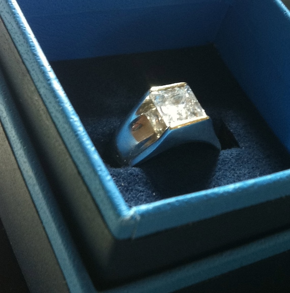1950s STERLING SILVER Ring with Clear Square Cut Stone      Size  8.25