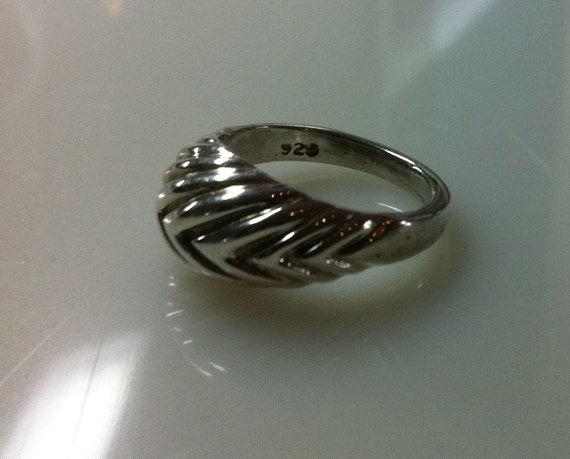 25% OFF!  Memorial Day Sale     925 STERLING RING     Size 5.5
