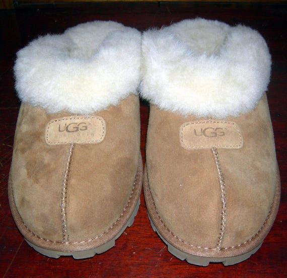 Vintage UGG Slippers/ UGG AUSTRALIA/ Sheepskin/ Fu