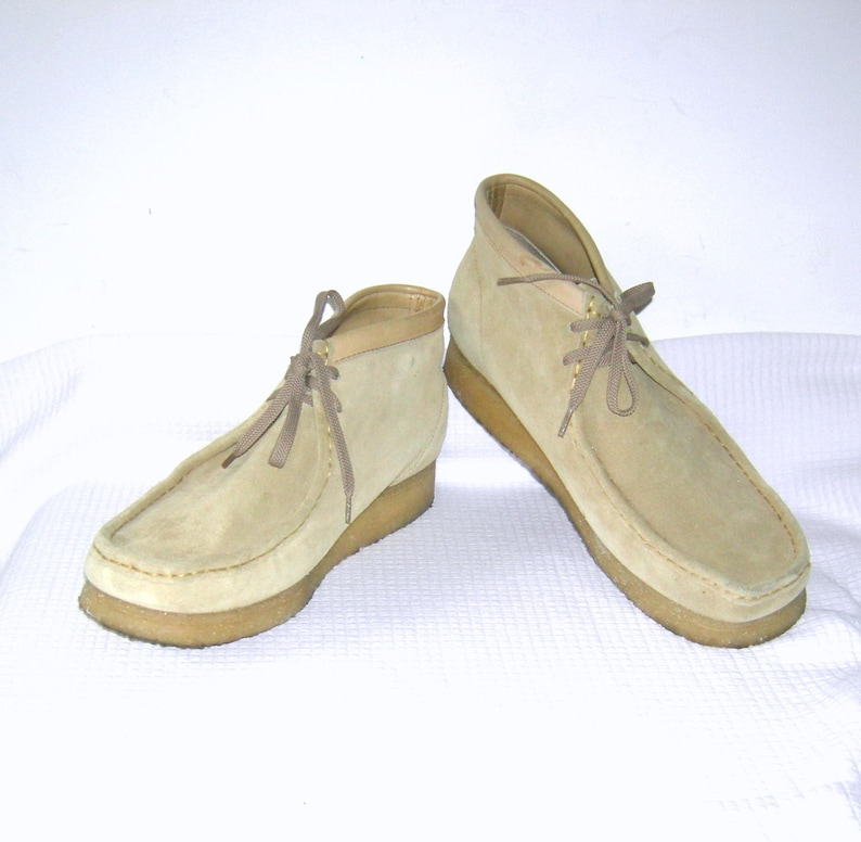 931f5923732 Vintage CLARKS WALLABEES Originals/ Men's Wallabee Boots/ Sand Suede  Leather/ Hand Lasted/ Crepe Soles/ Clarks Shoes Boots Size 12 M