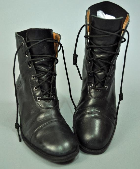 80s lace up ankle boots black leather