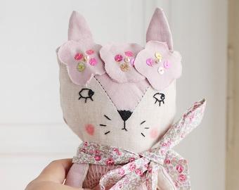 Poupée de collection, décoration chambre bébé, poupée de chiffon, Poupée tissu, cadeau anniversaire, décoration murale, cadeau naissance,