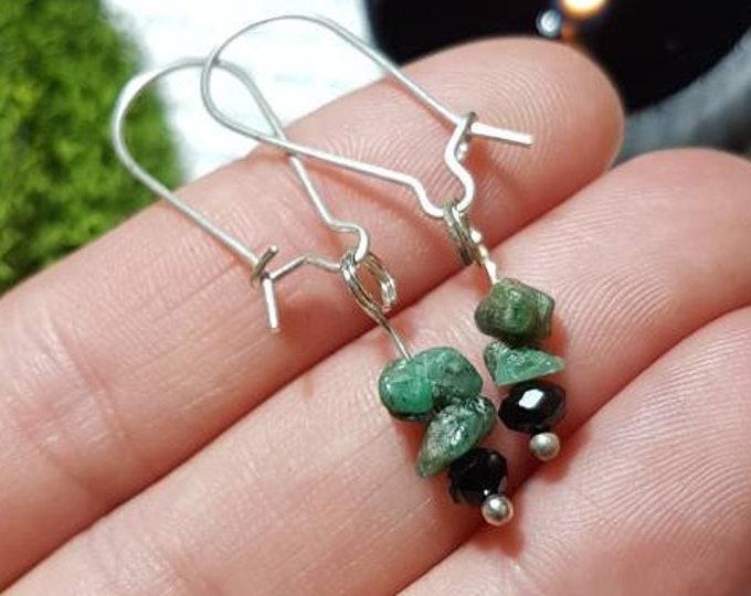 Raw Emerald and black cut glass earings