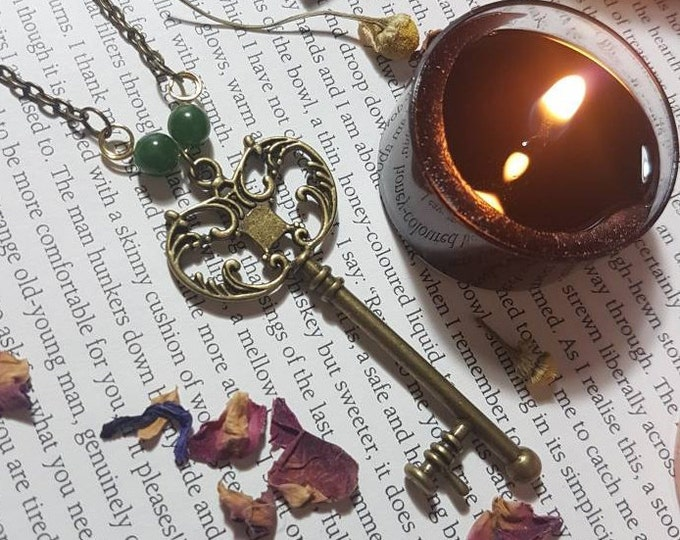Vintage style Green Jade and key long bronze necklace