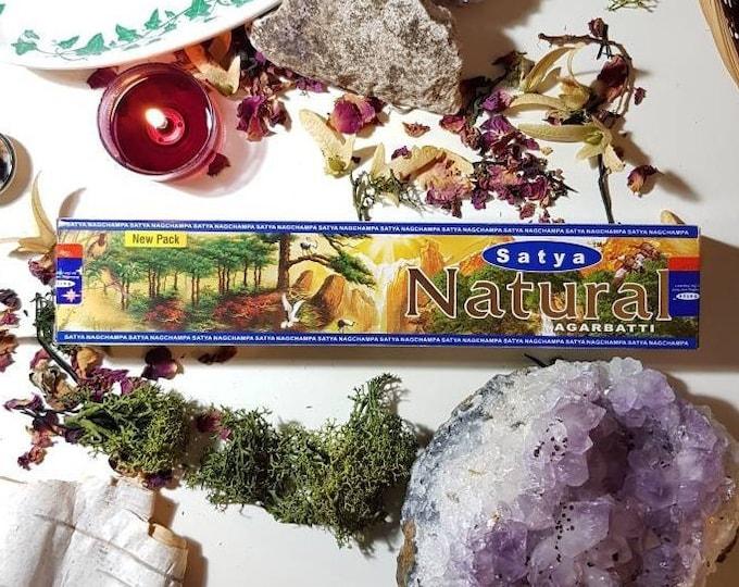Box of fourteen Satya Natural incense sticks