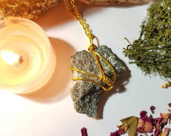 Preseli Bluestone necklace - Stonehenge stone - Gold plated - Earth connection