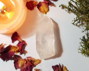 Natural Quartz with rainbows - Quartz crystal - Fairy frost