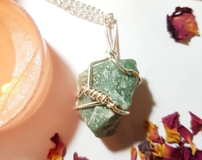 Green Aventurine necklace - Green Aventurine - Crystal necklace - Health and luck