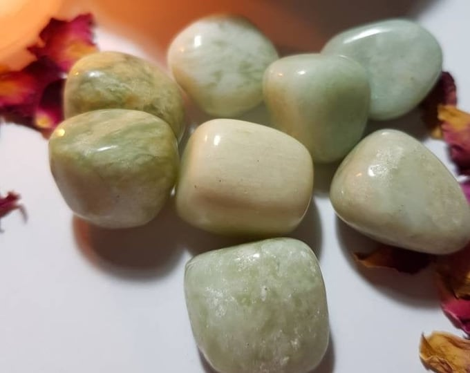 Small Jade tumble stone - Tumble stone - Jade - Health and luck