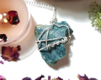 Raw Bloodstone necklace - Crystal necklace - Bloodstone - Healing