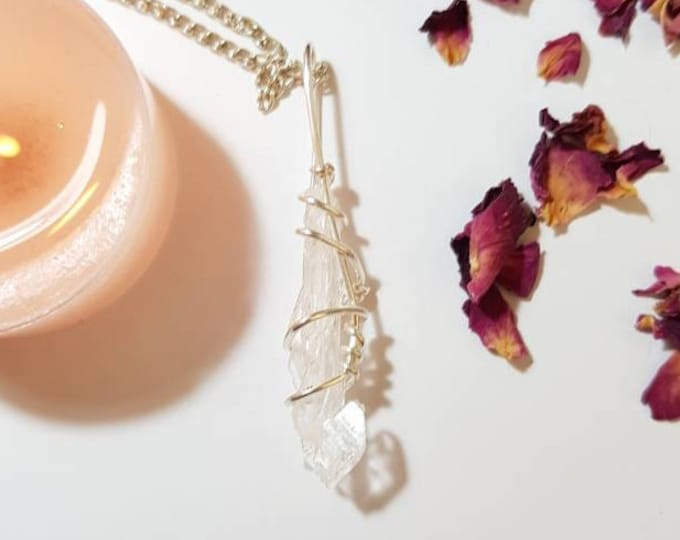 Faden Quartz necklace - Faden Quartz - Crystal necklace - Change