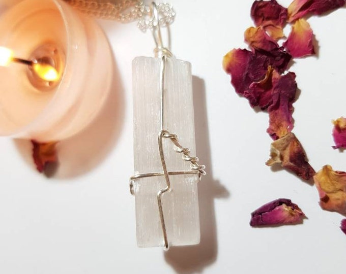 Selenite necklace - Selenite - Crystal necklace - Spirit Guides