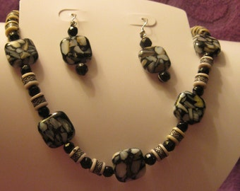 BLACK  WHITE  BROWN Gray Resin Bead Jewelry Set