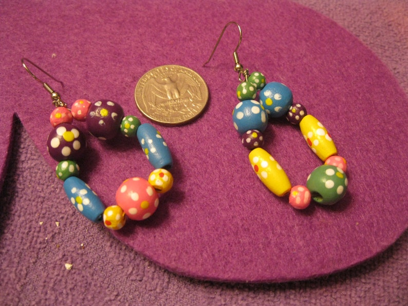WOODEN Assorted Colored OVALS and BALLS Jewelry Set