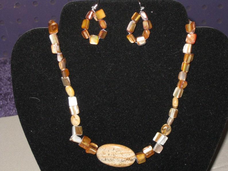 SEA SHELL Necklace and Pierced Earrings Handmade JEWELRY Set.