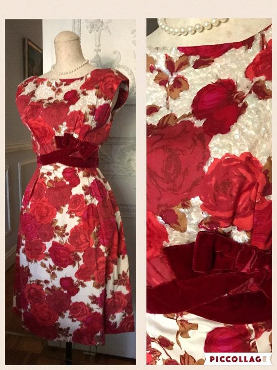 robe de soir e robe des ann es 50 vintage robe de cocktail etsy. Black Bedroom Furniture Sets. Home Design Ideas