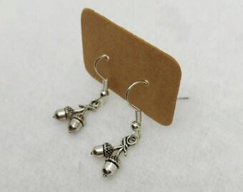 Dainty Acorn Earrings - Woodland - Nature - Cottagecore