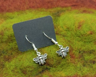 Little Bee Earrings - Dainty - Nature - Cottagecore - Insects