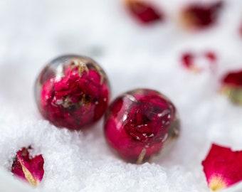 Real Flower Earrings - Red Rosebuds - Floral Jewelry , Pressed Flower Earrings , Nature Jewelry , Resin Earrings , Resin Jewellery